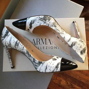 Armani Collezioni closed-toe heels